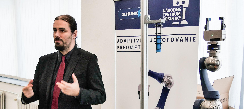 Úroveň robotiky na Slovensku má stúpajúci charakter. Nesmieme však zaspať.